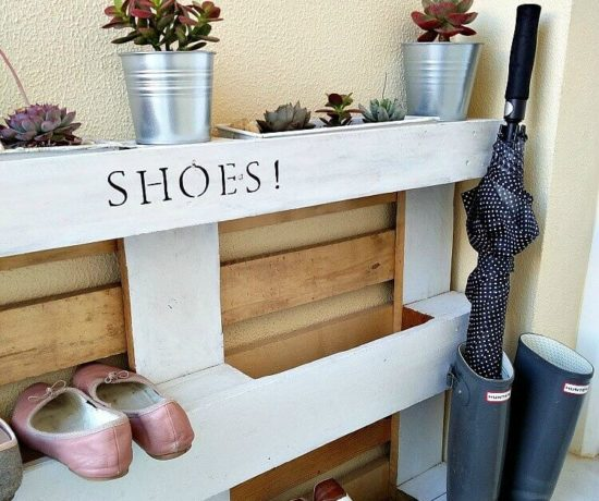 DIY easy pallet shoe rack northernfeeling.com