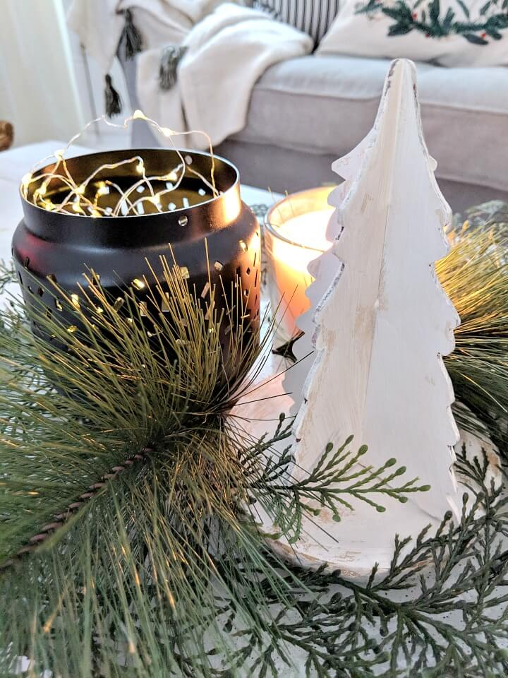 minimal nordic Holiday centerpiece northernfeeling.com