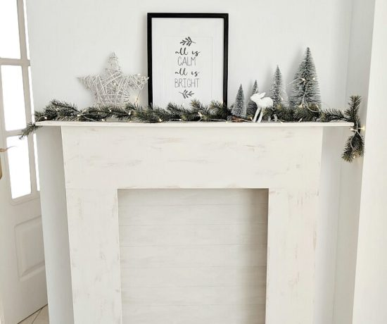 simple Nordic Holiday mantel northernfeeling.com