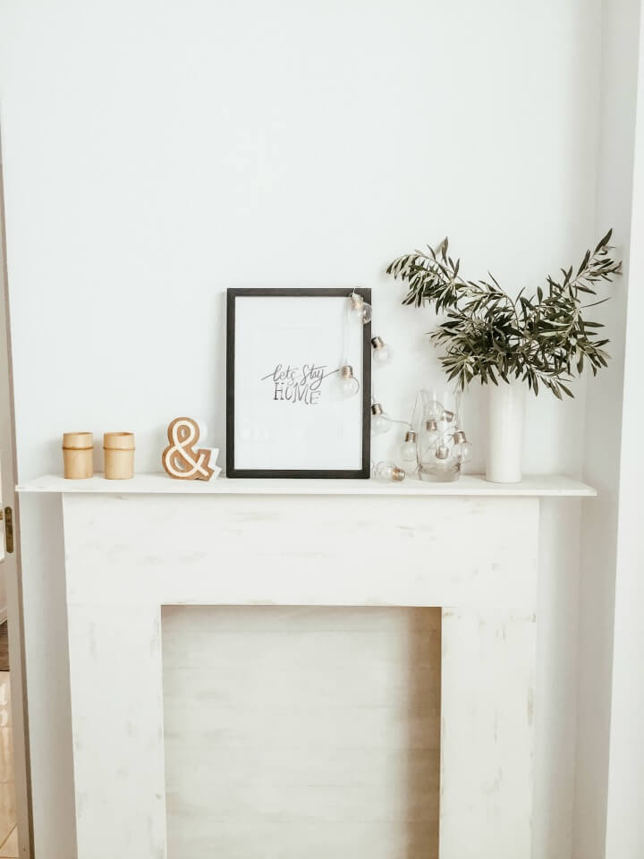 minimal after-christmas winter mantel northernfeeling.com