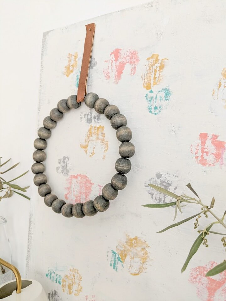 5 minute minimal wooden bead leather wreath northernfeeling.com