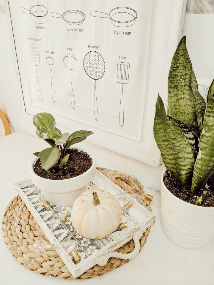 simple Fall kitchen decor/ table scape/ northernfeeling.com