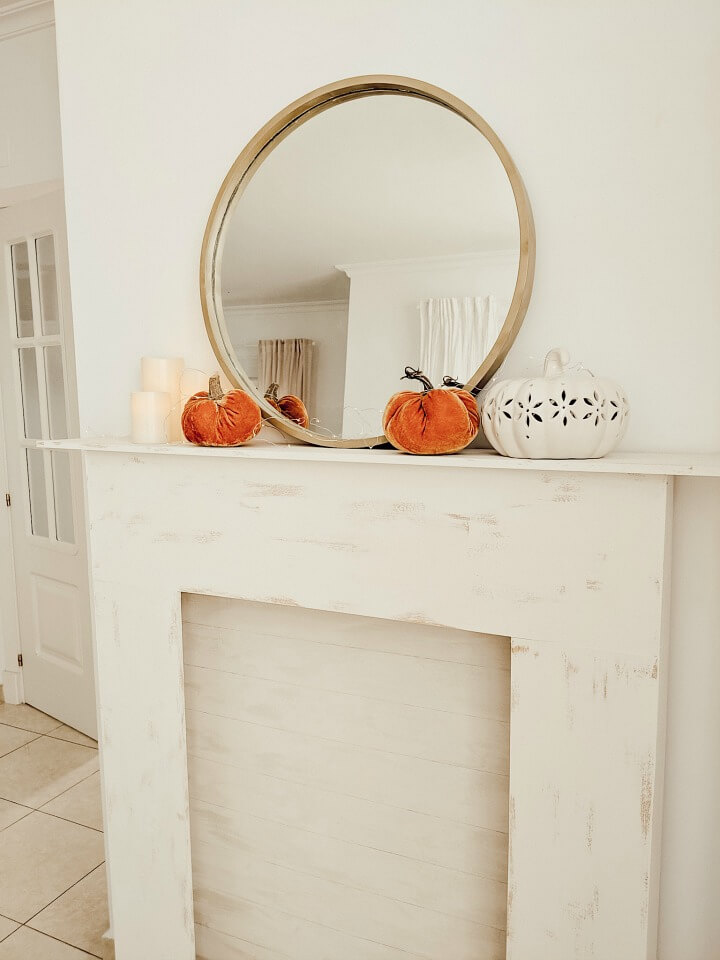 cozy pumpkin fall mantel + thrifted mirror northernfeelig.com